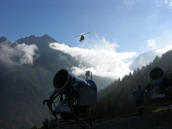 Auch ein Hubschrauber kam zum Einsatz. bergbahnen brandnertal