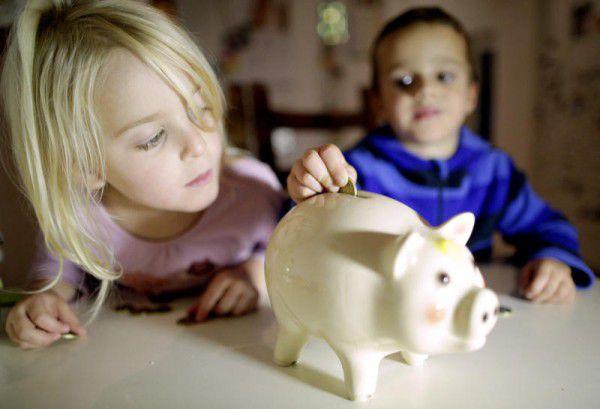 Der Weltspartag rückt alljährlich das Thema Sparen ins Bewusstsein der Bevölkerung. apa/hochmuth