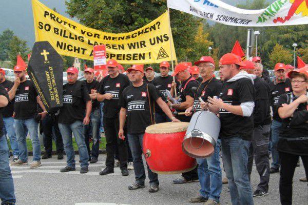Zwei Mal war es vor der Firmenzentrale in Dornbirn zu Kundgebungen der deutschen Mitarbeiter gekommen.VOL.at/Rauch