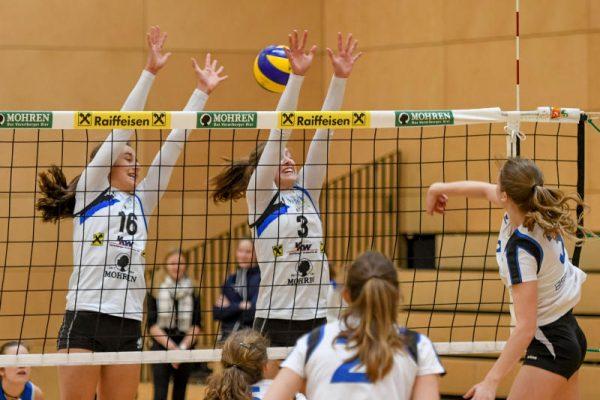 Johanna Lerch (l.) und Katharina Lerch (Mitte) stehen auch in dieser Saison im Kader des VC Dornbirn. Oliver Lerch