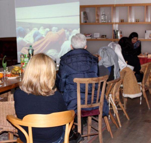 Aufmerksam lauschte das Publikum bei der Hohenemser Lesung.Tamara Ofner (2)