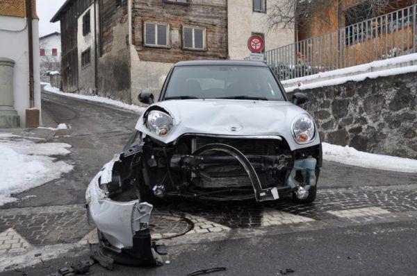 Beim Aufprall entstand erheblicher Sachschaden. Polizei Liechtenstein