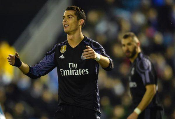 Cristiano Ronaldo kann es nicht fassen. Seine Königlichen haben soeben gegen Celta de Vigo verloren. apa