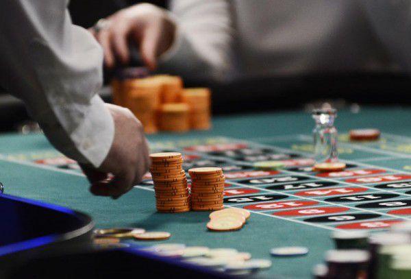 Eine tschechische Gruppe rund um die Milliardäre Karel Komarek und Jiri Smejc wird größter Eigentümer des teilstaatlichen Glücksspielkonzerns.  symbolbild/ap