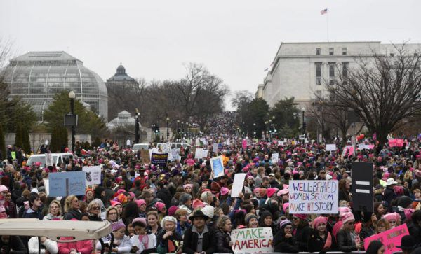 """Hundertausende beim """"Women's March"""" in Washington. AP"""