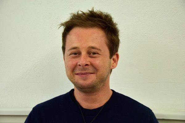 Nikolas Burtscher ist der Geschäftsführer der Selbsthilfe Vorarlberg. Er leitet die Kontakt- und Servicestelle in Dornbirn.