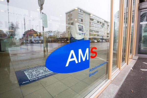 Geschäftsführer Bernhard Bereuter und seine Stellvertreterin Katharina Neuhofer berichteten von den neuesten Entwicklungen beim AMS.Klaus Hartinger, AMS
