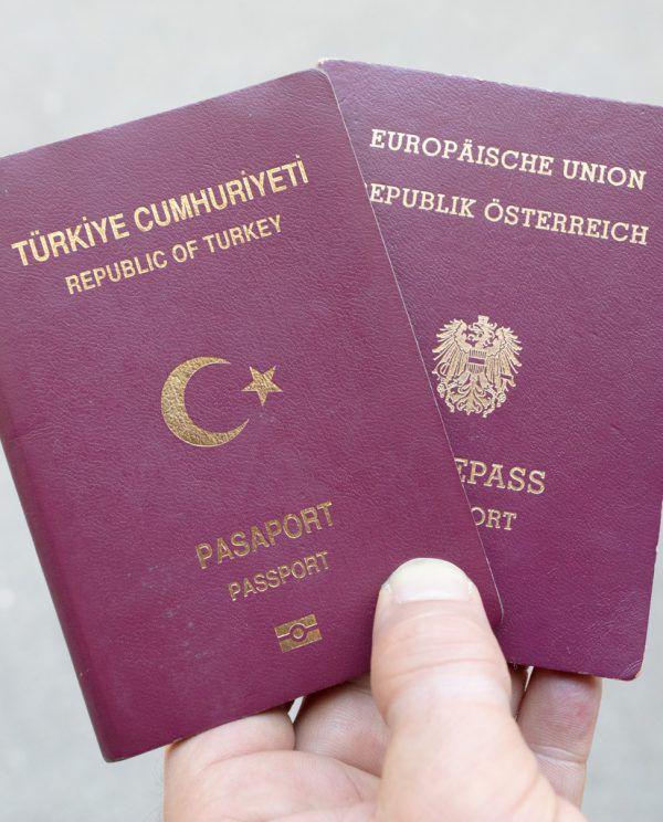 Dass ihr Ehemann die türkische Staatsbürgerschaft wieder annahm, hätte einer Frau den Aufenthalt kosten können. Hochmuth