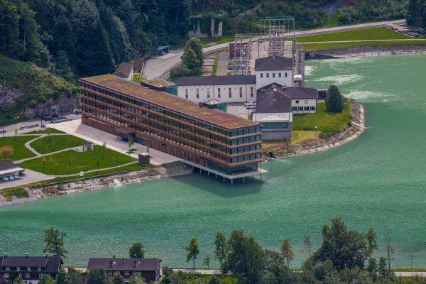 Das zentrale Bürogebäude des Energieanbieters in Rodund, Vandans.Philipp Steurer