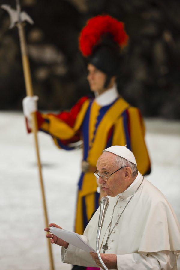 Der Papst betete für die Opfer. Domenico Stinellis