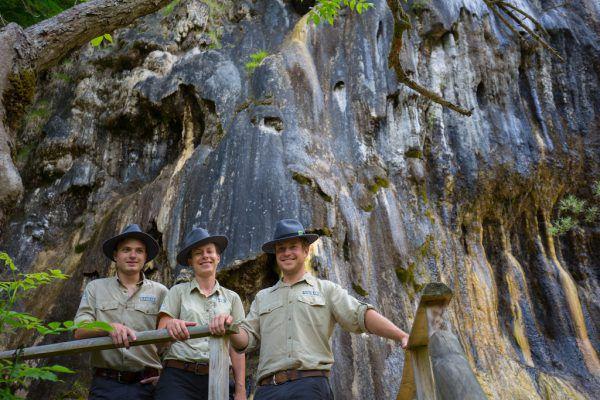 Florian Heinl, Carola Bauer und Max Löther (v.l.n.r.) sind seit Beginn des Jahres im Naturpark im Einsatz.Klaus Hartinger