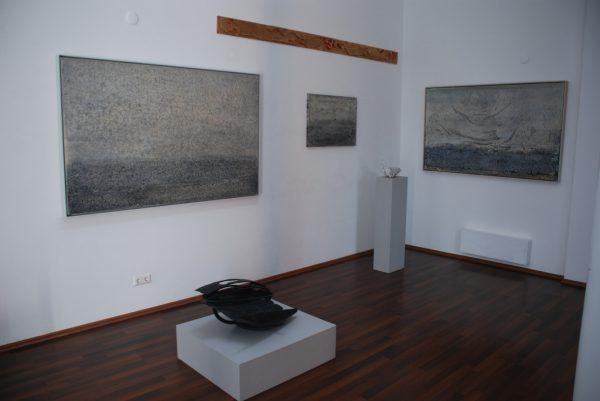 Galerie Skulpturale: Blick in die aktuelle Ausstellung. Wolfgang Ölz