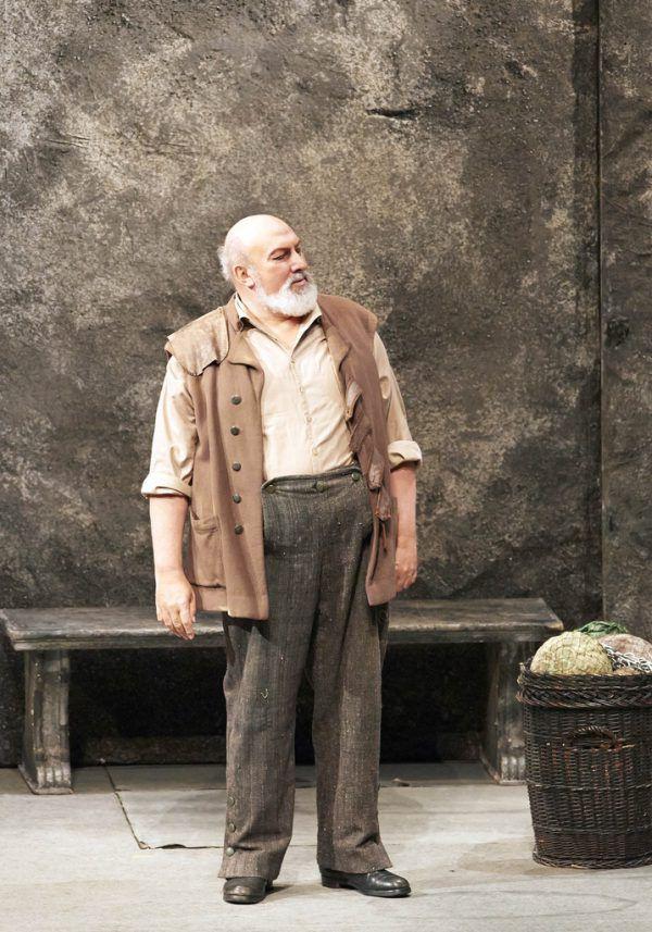 In Wien sang Fink 70 verschiedene Partien in rund 650 Vorstellungen.Wiener Staatsoper