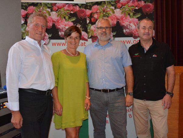 LR Erich Schwärzler, Vizeobfrau Renate Moosbrugger, Organisator Harald Rammel (Landwirtschaftskammer) und Thomas Bitschnau (v.l.) luden zum DankeAbend. Hofer (5)