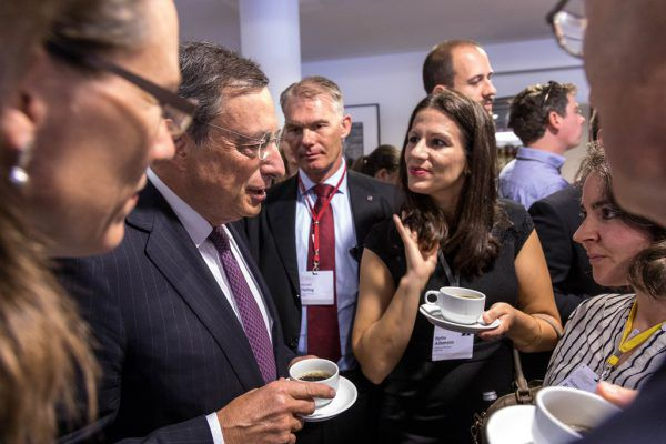 Mario Draghi muss seine Geldpolitik in der Finanzkrise immer wieder gegen Kritik verteidigen.christian Flemming