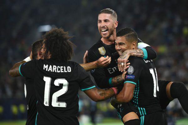 Real Madrid setzt sich gegen Manchester United durch und sichert sich den ersten Titel der Saison. AFP