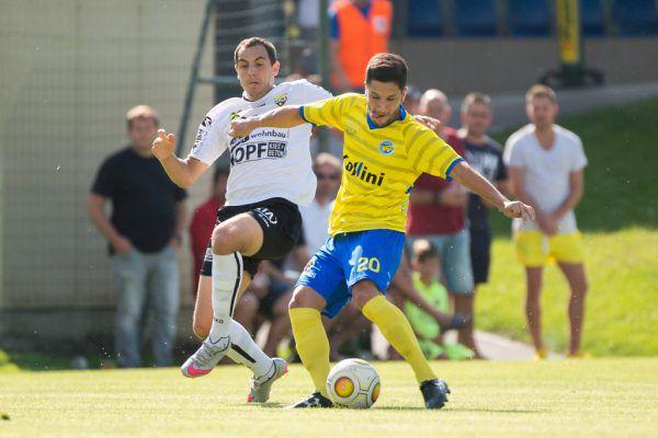 Sefa Gaye (rechts im Spiel gegen Altachs Amateure) und seine Kollegen wollen dem FC Dornbirn heute im Derby die erste Niederlage zufügen. Stiplovsek