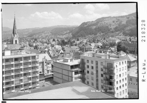 Stadtzentrum Dornbirn im Jahre 1966 mit Blick auf den Kirchturm.Sammlung Risch-lau, Vorarlberger landesbibliothek