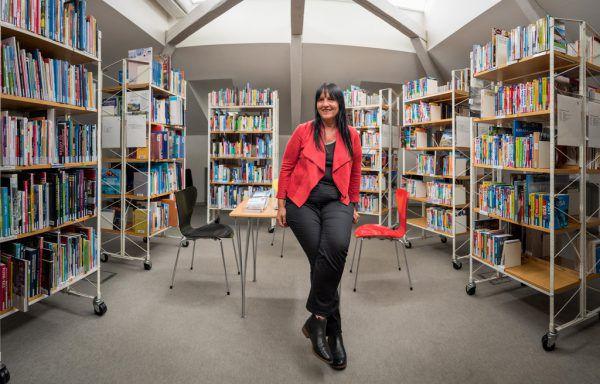Ulrike Unterthurner leitet die Bücherei mit Begeisterung.Stiplovsek (3), Dietrich/UNtertrifaller (2)