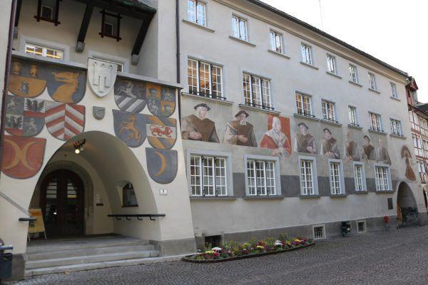 Die im Feldkircher Rathaus untergebrachte Stadtpolizei hat mit den Korruptionsvorwürfen nichts zu tun. NEUE