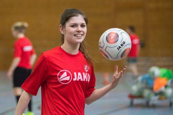 Die Rankweilerin Eileen Campbell ist eine von fünf Mädchen, die bereits den Sportzweig in der Mehrerau besuchen.Philipp Steurer