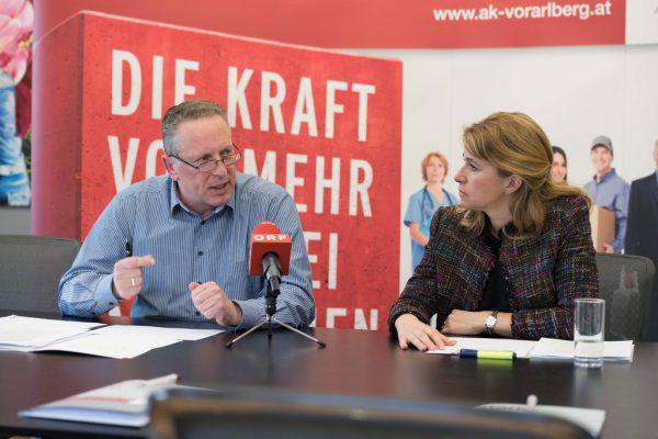 Hubert Hämmerle und Eva King von der Arbeiterkammer. AK
