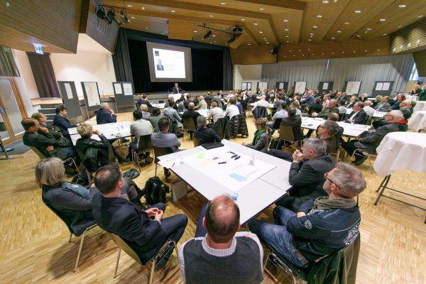 Über 100 Teilnehmer kamen zur gestrigen Konferenz.VLK