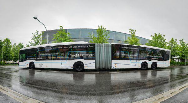 Bräuchte für den regulären Betrieb erst eine Bewilligung: der 21-Meter-Bus.Stiplovsek (2)