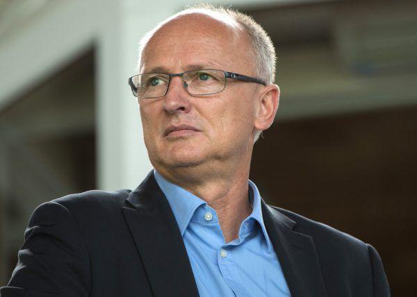 Georg Zellhofer plant derzeit den Kader für die kommende Saison und spricht von einer schwierigen Situation.APA
