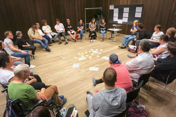 In Gruppen wurden verschiedene Themen diskutiert.VMA
