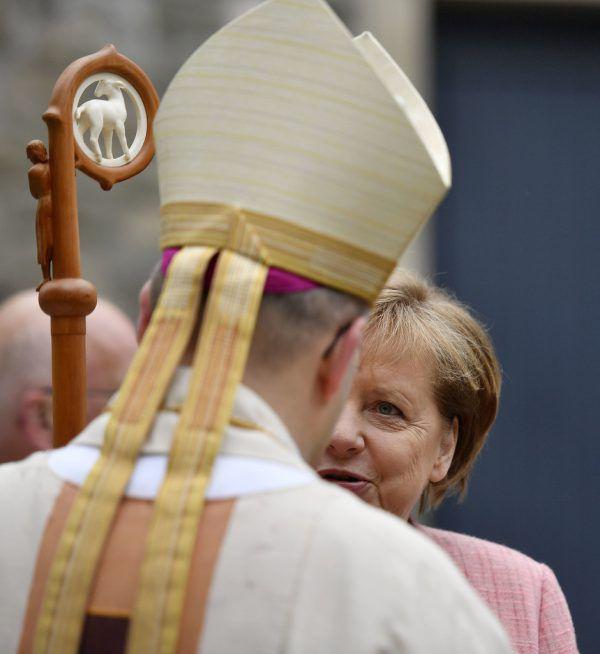 Kanzlerin Angela Merkel stammt aus einer Pfarrersfamilie. AP/Archiv