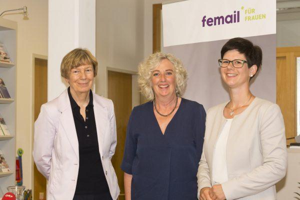 Monika Lindermayr, Katharina Wiesflecker und Lea Putz-Erath (v.l.) im Fraueninformationszentrum femail in Feldkirch.Land Vorarlberg/Mathis