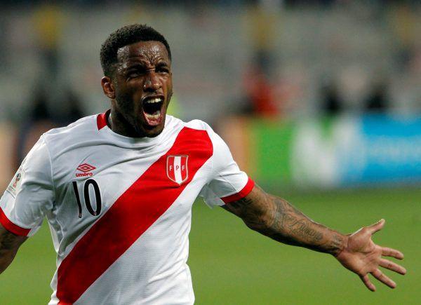 Perus Jefferson Farfan. Reuters