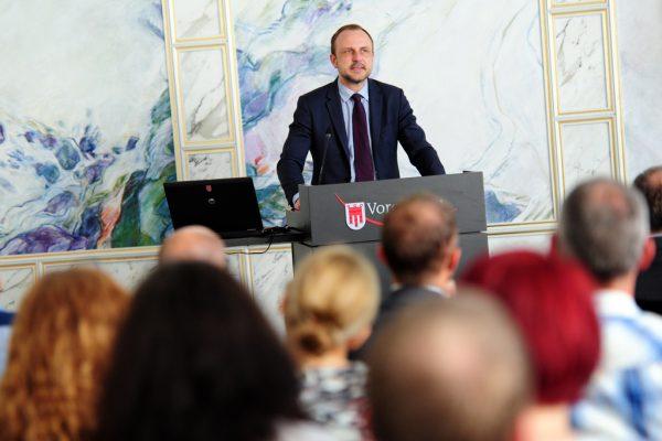 Terrorismusexperte Peter Neumann war in Bregenz zu Gast.VLK