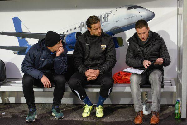Werner Grabherr (rechts) mit Tormanntrainer Sebastian Brandner und Stürmer Hannes Aigner.Dietmar Stiplovsek