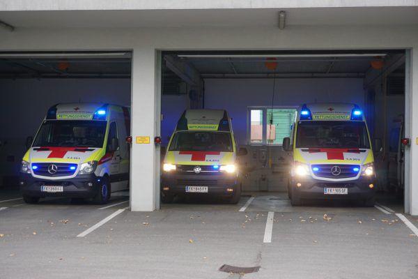 Beide Unfallopfer wurden ins Krankenhaus gebracht. NEUE