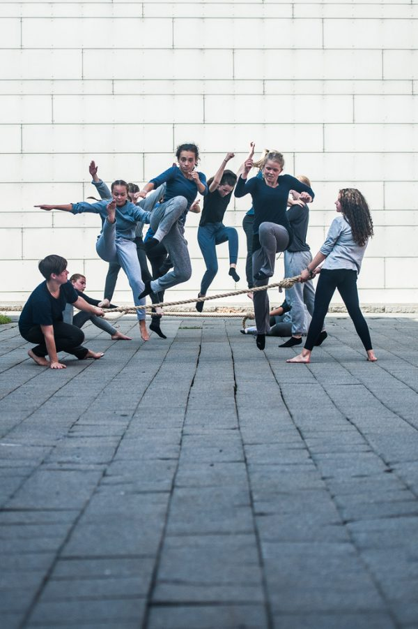 Das Junge Ensemble Vorarlberg steht bald auf der Bühne am Spielboden. Kleines Bild oben: James Wilton Dance. Stefan Hauer (2)/Steve Tanner (1)