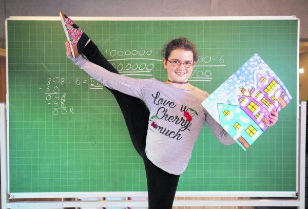 Davina Stampfer turnt gerne, löst in ihrer Freizeit Mathe-Aufgaben und liebt Kunst.Hartinger