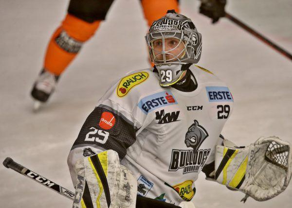 DEC-Keeper Rasmus Rinne hat alles im Blick. Gepa