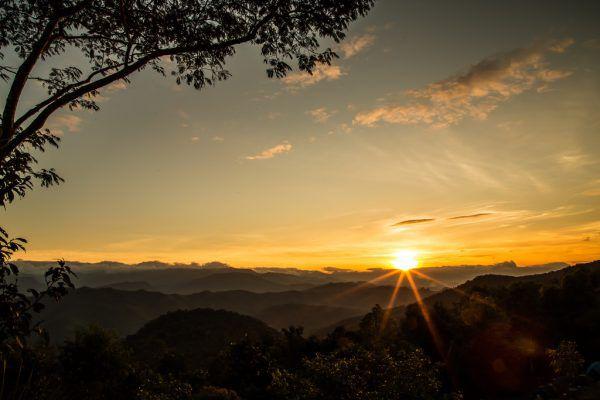Ende Oktober geht die Sonne schon kurz nach 17 Uhr unter.Shutterstock