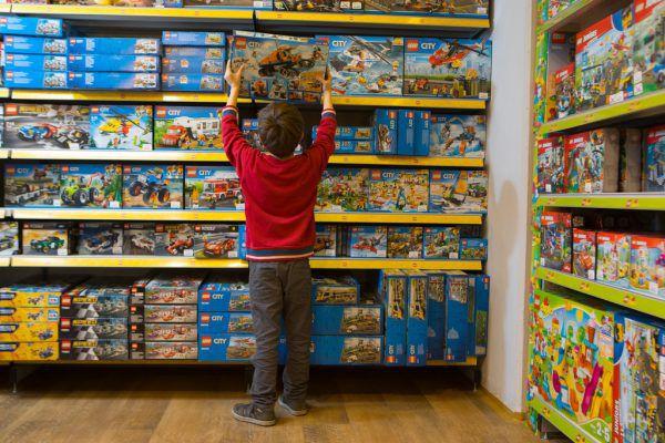 Spielzeuggeschäfte haben derzeit nicht geöffnet.Hartinger