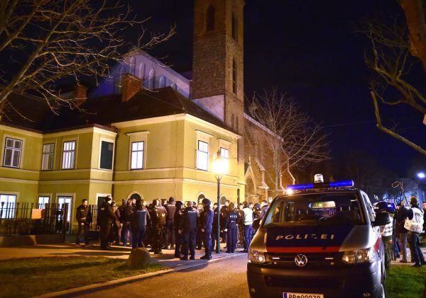 Klosterkirche und Pfarrhaus wurden durchsucht, doch der oder die Täter blieben verschwunden.APA