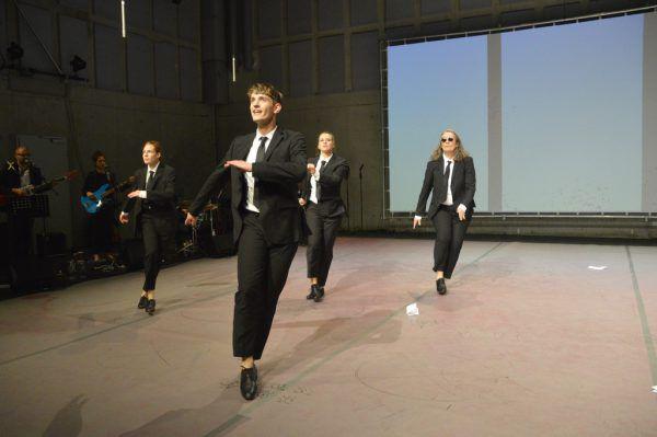 """Links Martin Hemmer in """"Immersion"""", rechts das Stück """"Swing"""".Gerhard Breitwieser (2)"""