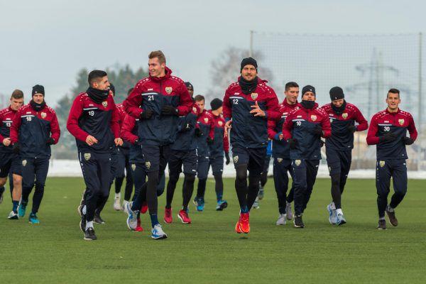 27 Spieler waren zur ersten Trainingseinheit anwesend.Dietmar Stiplovsek