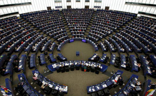 751 Mitglieder hat das Parlament derzeit. Ab Mai werden es 705 sein.Reuters