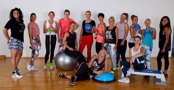 Beth Mandlik (ganz links) mit ihrem Trainerinnen-Team.Walter Ritter