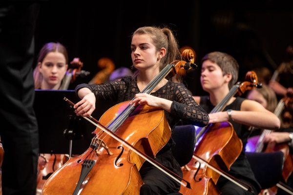 Das Jugendsinfonieorchester Dornbirn im Kulturhaus. Frederick Sams