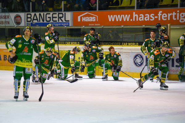 Enttäuschte Lustenauer nach dem verlorenen Finale.Gepa/Lerch