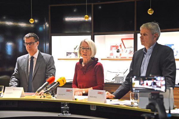 Ernst Gittenberger (l.), Theresia Fröwis und Michael Tagwerker im Montblanc-Concept-Store in Dornbirn. WKV, Hartinger