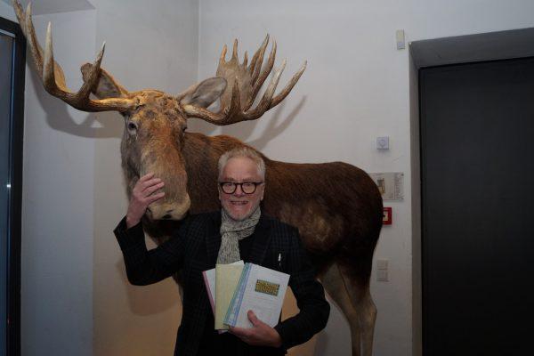 """Fink gabgestern in der Naturschau Inatura seine """"Sinn- und Unsinn-Sprüche"""" zum Besten. Yasmin Ritter (5)"""